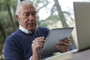 3 Ways You Can Handle Your Home Before Transitioning to Assisted Living
